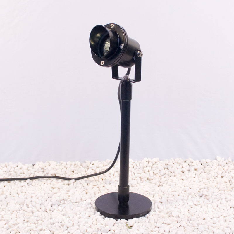 Atlantus black powder-coated brass underwater light with glare shield on mounting base with extended stem